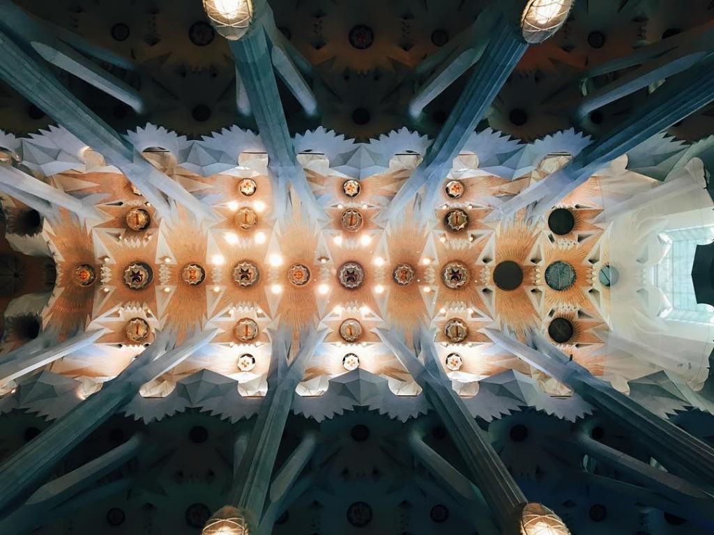 Le plafond de la Sagrada Familia